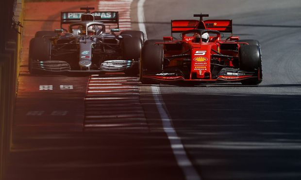 Sebastian Vettel gegen Lewis Hamilton