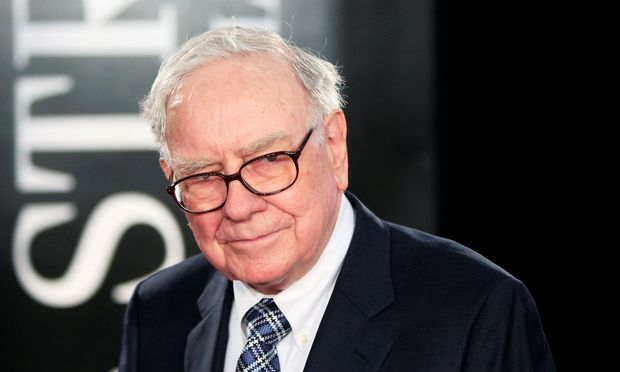 FILE PHOTO - Investor Warren Buffet arrives for the premiere of the film 'Wall Street: Money Never Sleeps' in New York