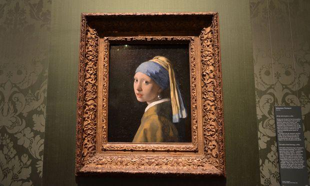 """Im neu eröffneten Mauritshuis kann man zehn Rembrandts bewundern und das """"Mädchen mit dem Perlenohrgehänge"""" von Vermeer."""