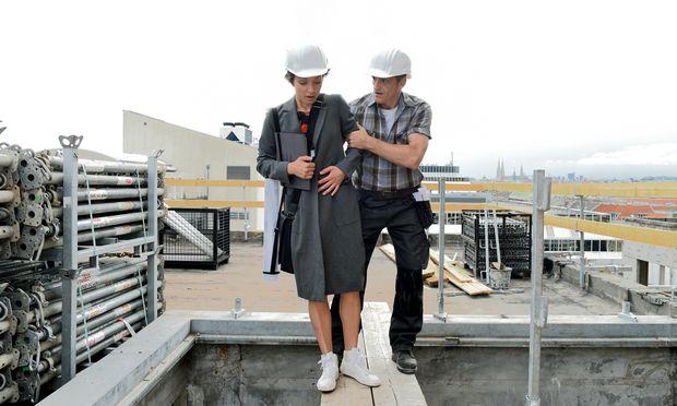 Marie (Julia Koschitz) ist als Architektin erfolgreich, bis sie an MS erkrankt.