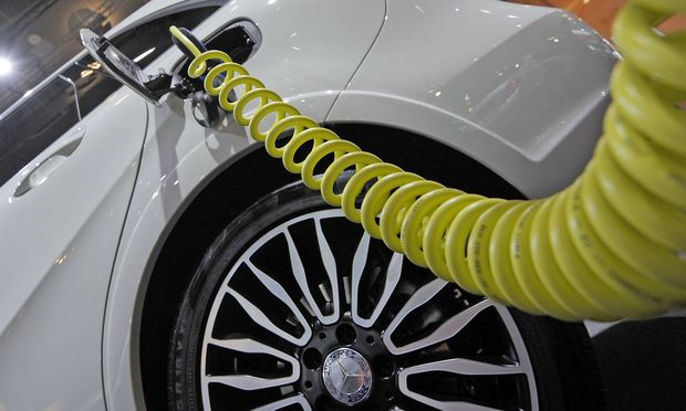 17 09 2015 xfux News Internationale Automobil Ausstellung IAA 2015 emspor v l Plug In Hybrid