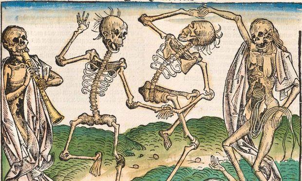 """Schrecken und Albtraum der Lebenden: """"Tanz der Gerippe"""", dargestellt im Holzschnitt von Michael Wolgemut in Hartmann Schedels Weltchronik von 1493."""