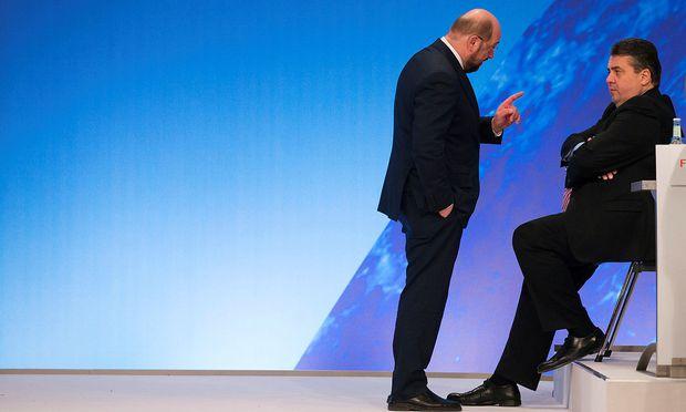 Martin Schulz (li.) wird von Sigmar Gabriel die SPD übernehmen,