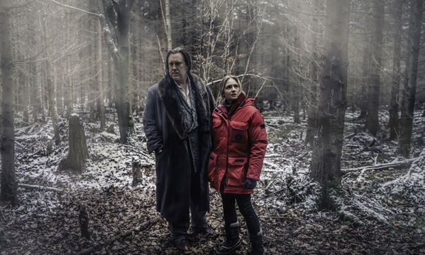Die Ermittler, gespielt von Julia Jentsch und Nicholas Ofczarek.