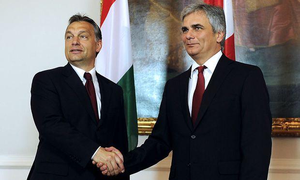 Ungarns Premier Viktor Orban mit Bundeskanzler Faymann.