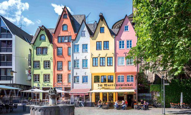 Altstadt. Köln wurde im Zweiten Weltkrieg stark zerstört, weniges wiedererrichtet.