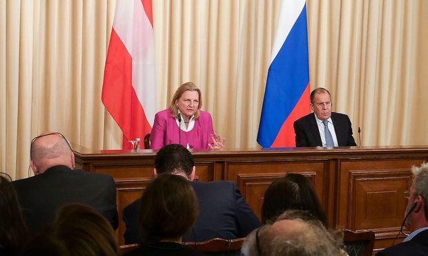 Außenministerin Kneissl sondiert in Moskau