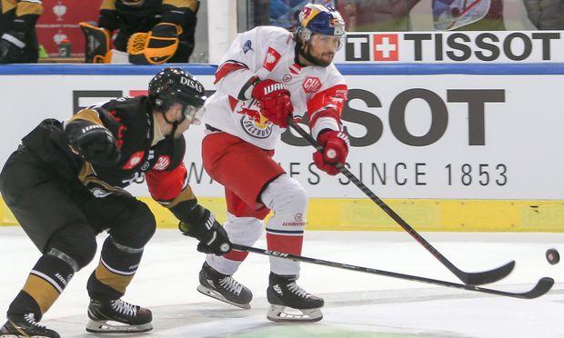 Salzburg erwartet ein harter Kampf um den Puck. / Bild: (c) APA/EXPA/ROLAND HACKL (EXPA/ROLAND HACKL)