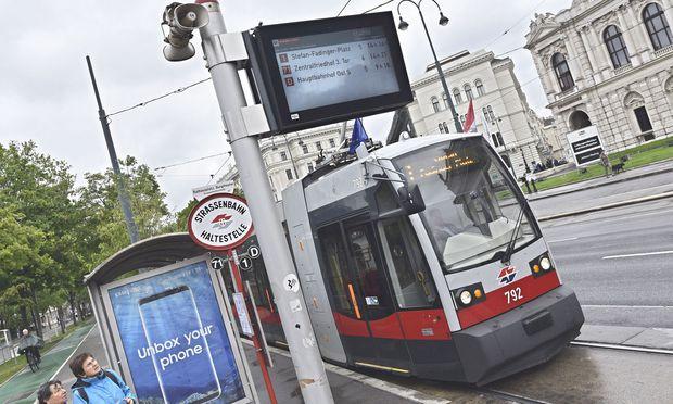 Die Straßenbahnlinien O und D werden verlängert.