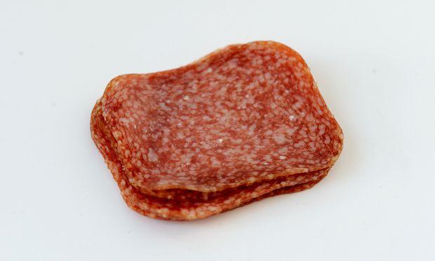 Irgendwann aber lernte man, dass die Extrawurst mit den Paprikastücken in Wirklichkeit Pikantwurst heißt.