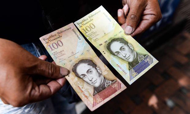 VENEZUELA-ECONOMY-CRISIS-CURRENCY