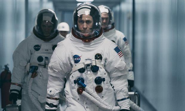 """In seinem neuen Film """"First Man"""" fliegt Ryan Gosling als Neil Armstrong auf den Mond. Dorthin – und noch viel weiter – zog es das Kino schon lange vor Apollo 11."""
