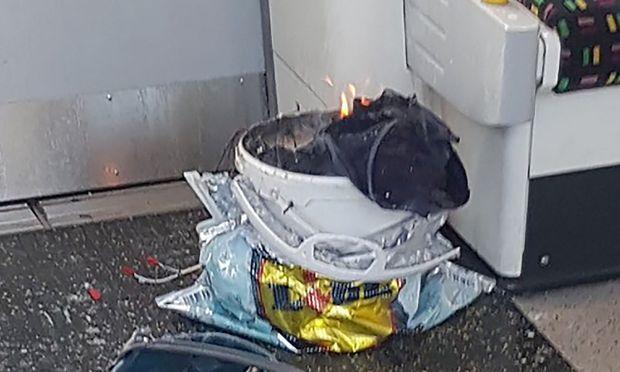 Zwei nach Anschlag auf Londoner U-Bahn festgenommene Männer wieder frei
