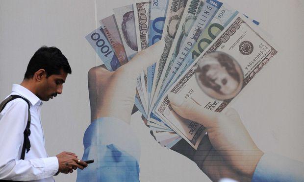 Moody's hat Indiens Bonitätsnote angehoben. Das Währungsrisiko für Anleger bleibt allerdings beachtlich.