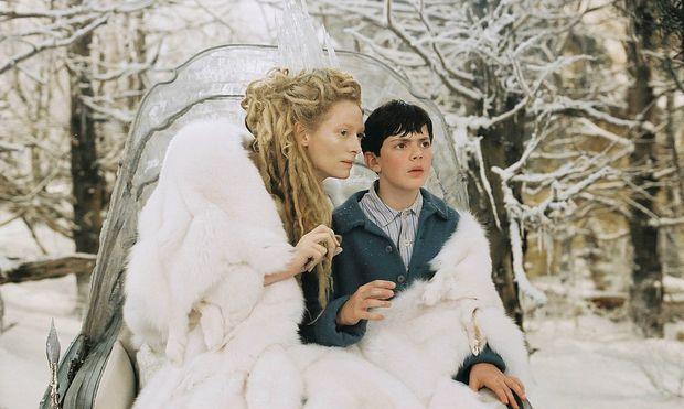 """Tilda Swinton und Skandar Keynes in """"Die Chroniken von Narnia: Der König von Narnia"""""""