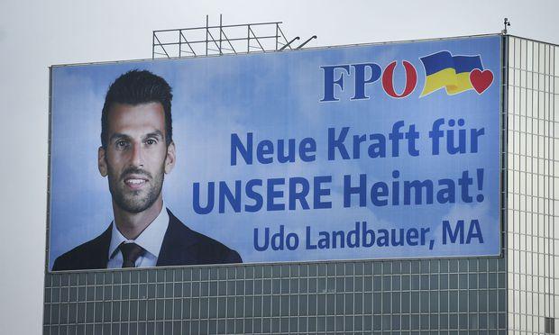 Symbolbild: Plakat mit FPÖ-Spitzenkandidat Udo Landbauer  / Bild: APA/ROBERT JAEGER