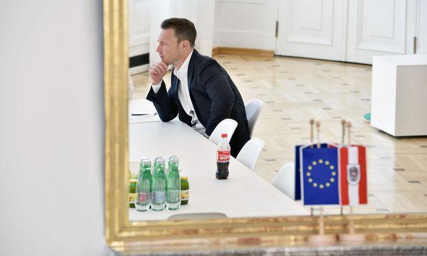 Gernot Blümels Zuständigkeit als einer der beiden Kanzleramtsminister (auch Juliane Bogner-Strauß ist eine solche, Anm.) umfasst die Bereiche EU, Kunst, Kultur und Medien. (Archivbild)