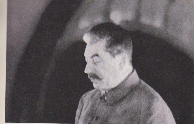 Stalin in der U-Bahn-Station Majakowski, 6.11.1941