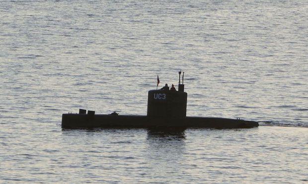 """Das von Peter Madsen gebaute U-Boot """"UC3 Nautilus"""" auf einem Archivbild im Hafen von Kopenhagen."""