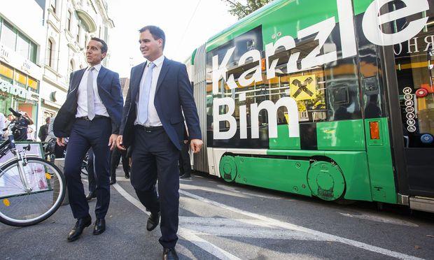 Der steirische SPÖ-Chef, Michael Schickhofer (rechts), schlägt Bundeskanzler Christian Kern eine Urabstimmung vor. / Bild: APA/ERWIN SCHERIAU