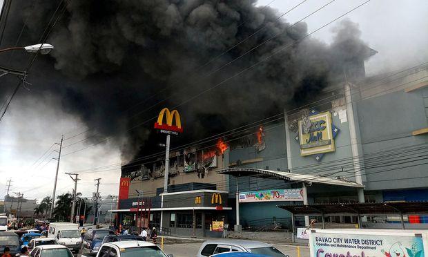 Der Brand war kurz nach Öffnung des Einkaufszentrums ausgebrochen