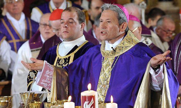 Golser 2009 bei der Bischofsweihe im Brixener Dom.