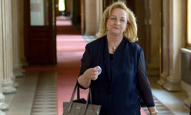 Ex-Finanz- und Innenministerin Maria Fekter verabschiedet sich aus dem Parlament.