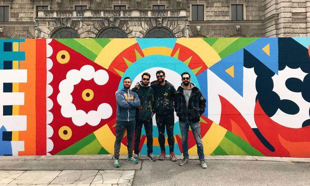 Die Künstler der spanischen Urban Art-Gruppe Boa Mistura.