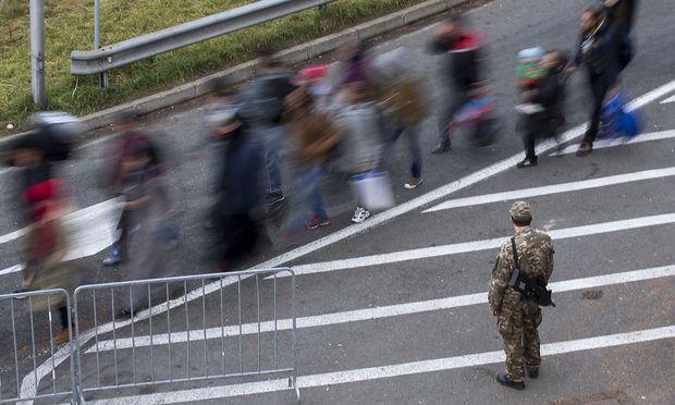 Der Zuzug nach Europa bringt auch Probleme und Gefahren mit sich (Bild von 2015 an der Grenze Österreich-Slowenien).