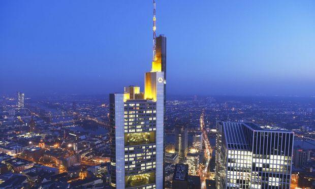 Commerzbank- Konzernzentrale in Frankfurt: Der Kampf um die deutsche Großbank hat begonnen.