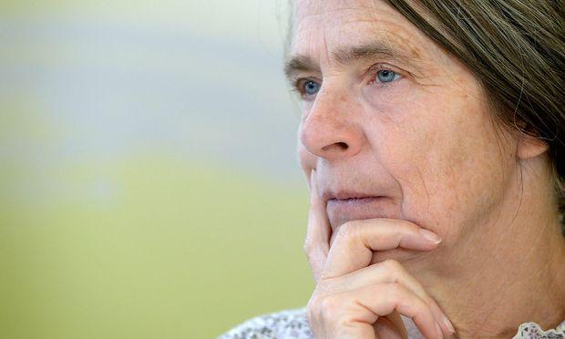 Archivbild: Helga Kromp-Kolb bei einer Pressekonferenz 2015