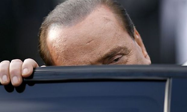 Berlusconi kündigt Rücktritt auf Raten an