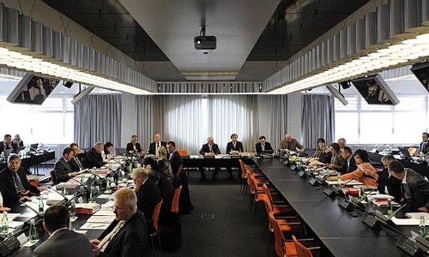 ORF: Machtkampf um den Stiftungsrats-Vorsitz « DiePresse.com