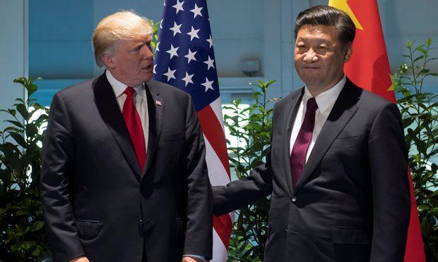 Donald Trump und Xi Jinping: Der IWF sieht die USA nicht mehr in der wirtschaftlichen Führungsrolle.  / Bild: (c) REUTERS