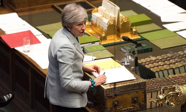 Am Dienstag wird es kein Votum über den Austritts-Deal der Premierministerin geben.