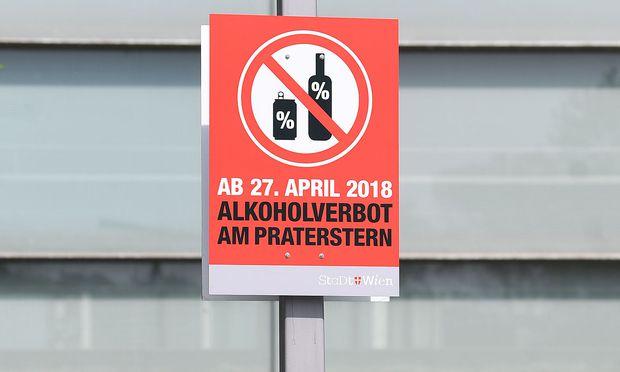Archivbild: Seit 27. April 2018 gilt das Alkoholverbot am Wiener Praterstern.