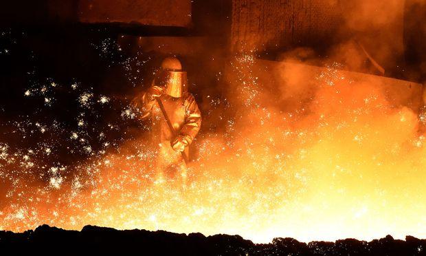 Gabriel sieht Alternativen zu Fusion der Stahlgeschäft von Thyssenkrupp und Tata
