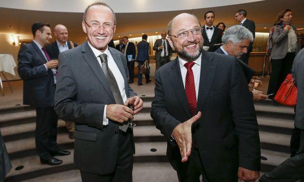 ARCHIVBILD: EU-PARLAMENTSPRAeSIDENT SCHULZ UND OeVP-DELEGATIONSLEITER KARAS