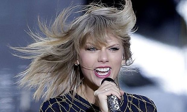 Taylor Swift performs on the Good Morning America Show in Times Square in New York City on October 3