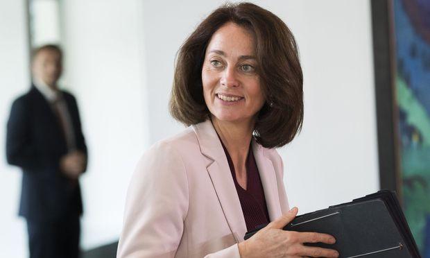 Verbraucherschutzministerin Katarina Barley bekam eine Telefonrechnung über 400 Euro. Da wurde sie stutzig.
