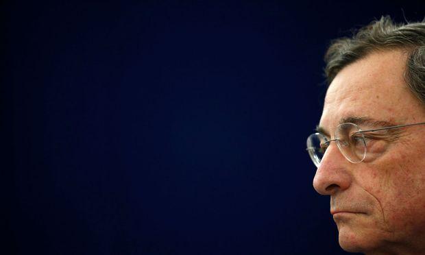 Ökonomen erwarten, dass EZB-Chef Mario Draghi  Hinweise darauf gibt, dass neue Langfristdarlehen für Geschäftsbanken kommen könnten