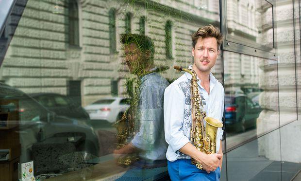 """Jazzsaxofonist Guido Spannocchi: """"Nicht zu spielen, das kenn ich nicht.""""  / Bild: (c) Akos Burg"""