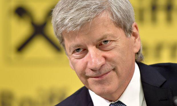 "RBI-Vorstandsvorsitzender Johann Strobl kündigt strengere ""Spardisziplin"" an."