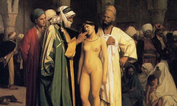 """Ein Paradebild des Orientalismus: """"Der Sklavenmarkt"""" von Jean-Leon Gérôme (1866). Dieser Maler liebte das Sujet der dem wilden Mann sexuell ausgelieferten Frau. Aber schon ein Zeitgenosse deutete das Gemälde in Richtung Kulturkampf: Er vermutete im Opfer eine  christliche Abessinierin."""