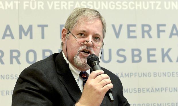 Oppositionspartei will Razzia beim Verfassungsschutz prüfen