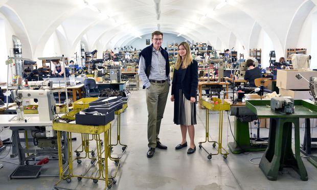 Firmenchef Till Reiter mit seiner Tochter Anna. Sie ist seit 2017 fürs Marketing und die Pressearbeit zuständig.