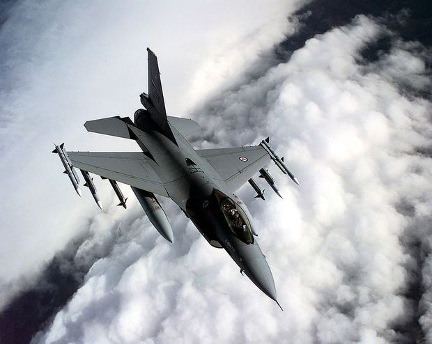 Zum Vergleich: norwegische F-16