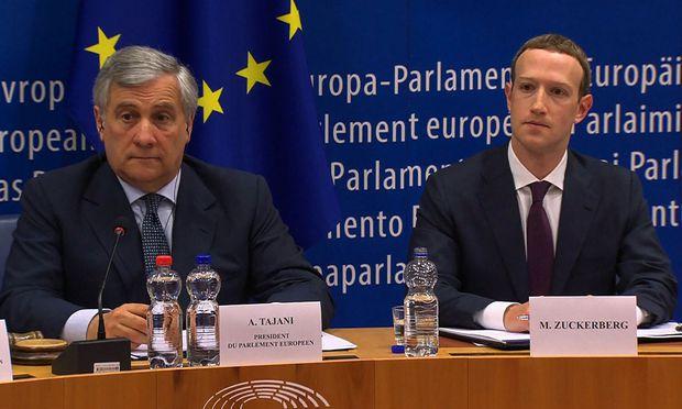 Antonio Tajani und Marc Zuckerberg.