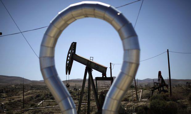 Schon nach fünf Monaten gibt das Schiefergestein nur noch halb so viel Öl und Gas frei wie am ersten Tag.