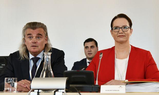 Staatsanwältin Ursula Schmudermayer (mit Anwalt) war gestern wieder geladen.